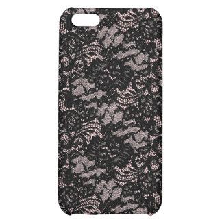 Cordón negro en piel rosada del iPhone 4