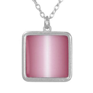 Cordón rosado y pendiente de Borgoña
