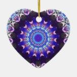 Cordón violeta adorno de cerámica en forma de corazón