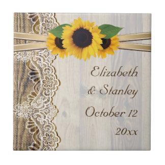 Cordón y girasoles en el boda de madera azulejos cerámicos