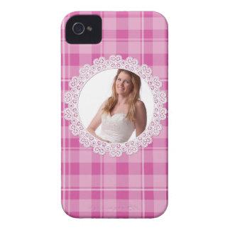 Cordón y tela escocesa - corazón en rosa funda para iPhone 4 de Case-Mate