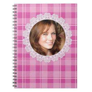 Cordón y tela escocesa - corazón en rosa spiral notebook