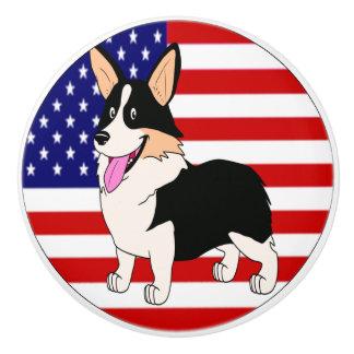Corgi patriótico con la bandera americana pomo de cerámica