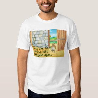 """Corgi """"puerta abierta…"""" La camiseta de los hombres Playeras"""
