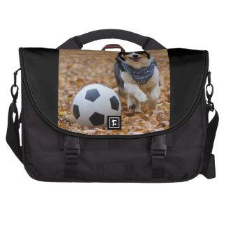 Corgi que juega a fútbol bolsas para ordenador