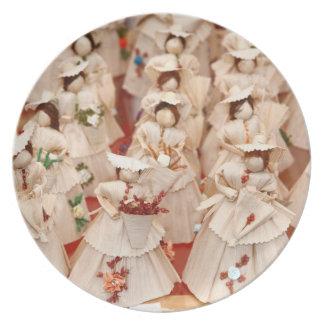 Corn husk dolls party plates