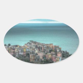 Corniglia en los acantilados, Cinque Terre Italia Pegatinas Ovaladas