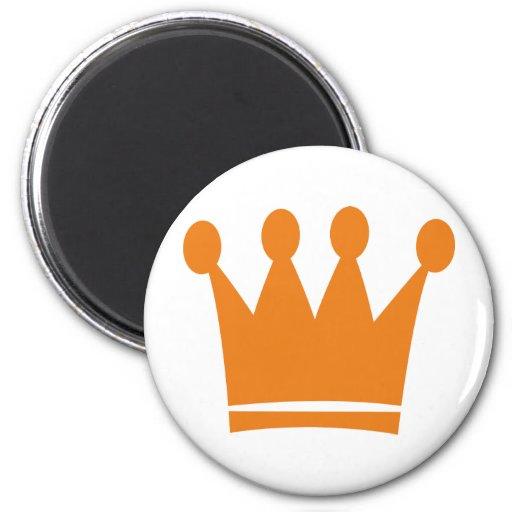 corona anaranjada del rey imán redondo 5 cm