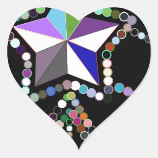 Corona colorida de la princesa hecha de gotas y de pegatina en forma de corazón