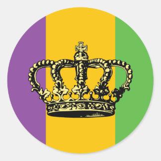 Corona de la bandera del carnaval pegatina redonda
