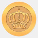 Corona del oro etiquetas redondas
