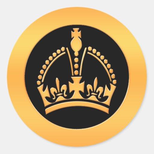 Corona del oro pegatina redonda