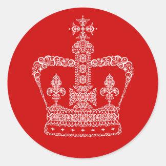 Corona del rey o de la reina pegatina redonda