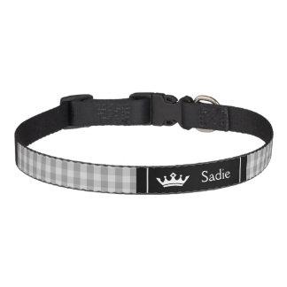 Corona negra y gris con el modelo de la guinga collares para perros