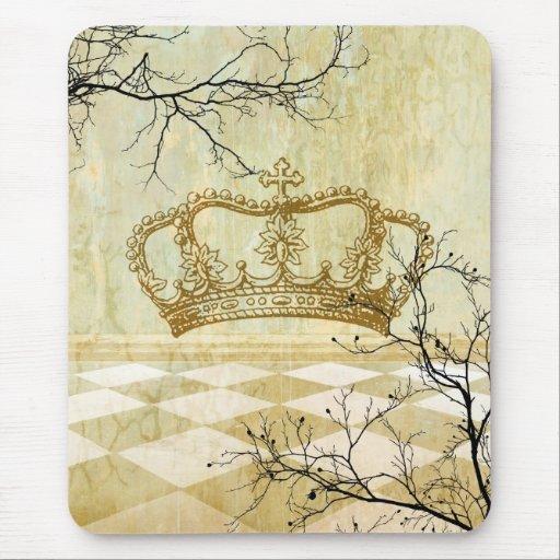 Corona real con las ramas alfombrilla de ratón