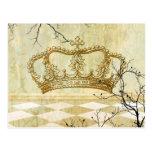 Corona real con las ramas postal