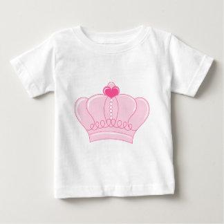 Corona rosada con el corazón playera