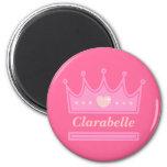Corona rosada para la princesa real imán redondo 5 cm