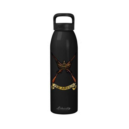 Corona w Enfields del regimiento de la Royal Air F Botellas De Beber