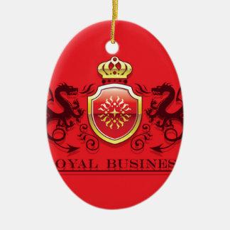 Corona y escudo de oro del escudo de armas con los adorno navideño ovalado de cerámica