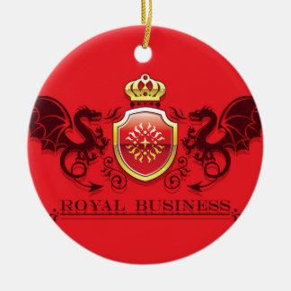 Corona y escudo de oro del escudo de armas con los adorno navideño redondo de cerámica