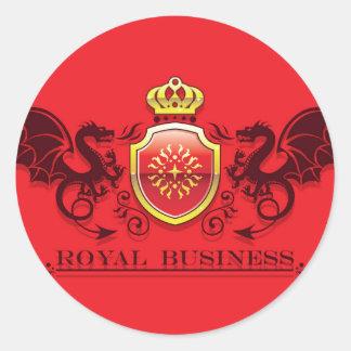 Corona y escudo de oro del escudo de armas con los pegatina redonda