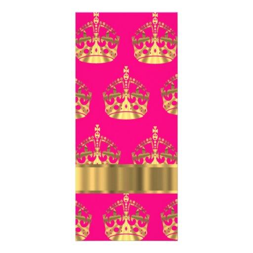Coronas del oro en rosas fuertes tarjetas publicitarias