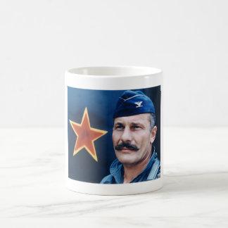 Coronel Robin Olds Taza