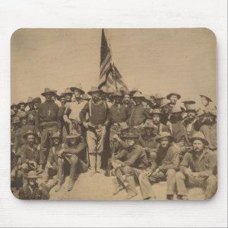 Coronel Roosevelt y su Rough Riders Tapetes De Raton