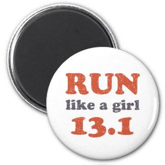 Corra como un chica 13,1 imán redondo 5 cm
