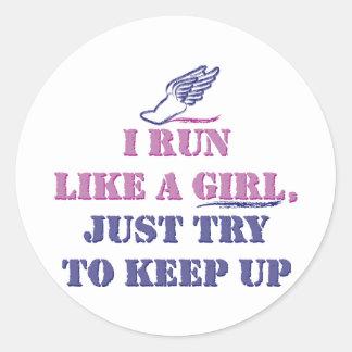Corra como un chica etiqueta redonda