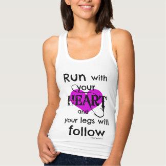 Corra con el su tanque de Racerback del corazón Camisas