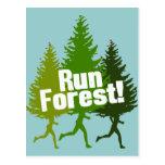 Corra el bosque, proteja el Día de la Tierra Tarjeta Postal