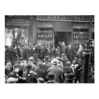 Corra en el banco de la zona este, NYC, 1912 Postales