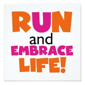 """Corra y abrace el rosa del naranja de la vida invitación 5.25"""" x 5.25"""""""