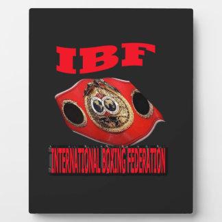 Correa del boxeo del campeonato de IBF con el fond Placa De Madera