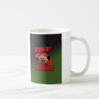 Correa del boxeo del campeonato de IBF con el fond Tazas De Café