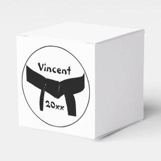 Correa negra básica personalizada de los artes cajas para regalos
