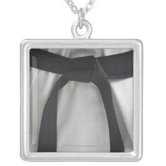 Correa negra del karate collares