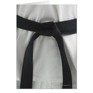Correa negra del karate felicitaciones
