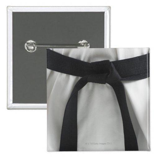 Correa negra del karate pin cuadrado