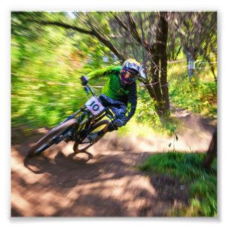 Corredor borroso de Dirtbike del bosque Fotografía