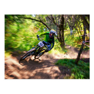 Corredor borroso de Dirtbike del bosque Postales