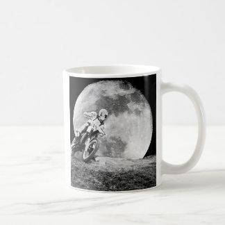 Corredor de medianoche taza de café