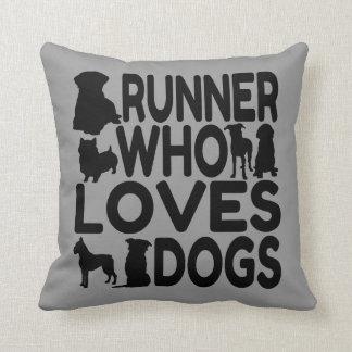 Corredor del amante del perro almohadas