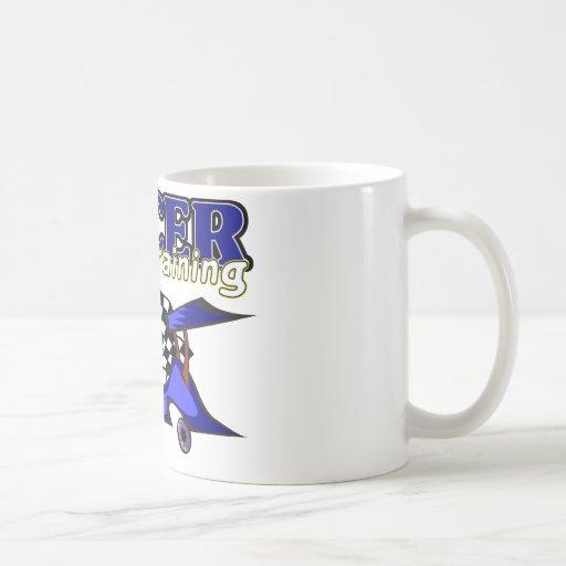 Corredor en el entrenamiento taza de café