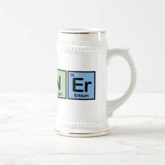 Corredor hecho de elementos jarra de cerveza