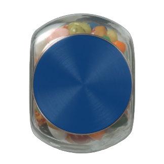 Correhuela en un jardín inglés del país jarras de cristal jelly bely