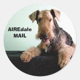 CORREO de Airedale Etiquetas Redondas