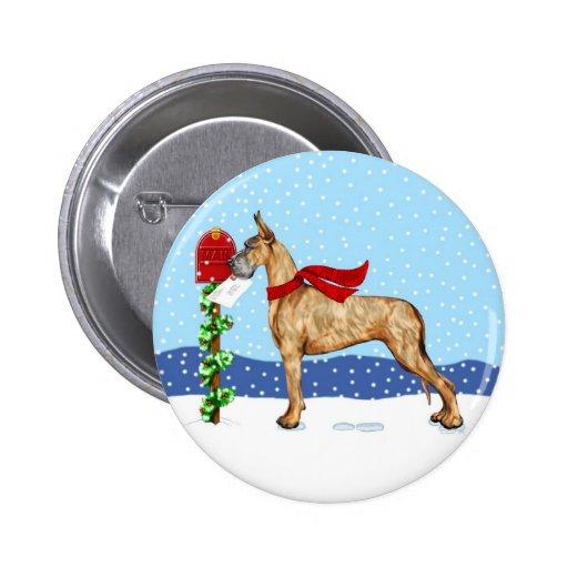 Correo del navidad de great dane Brindle Pin Redondo De 2 Pulgadas